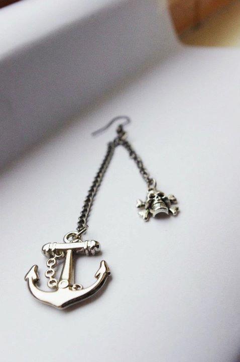 anchor earring