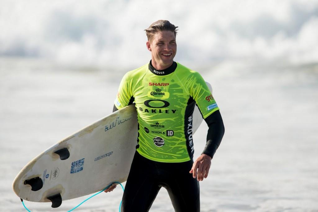 greg minnaar surf oakley xover