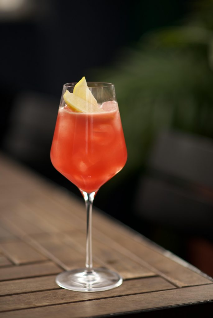 bloedlemoen gin cocktail